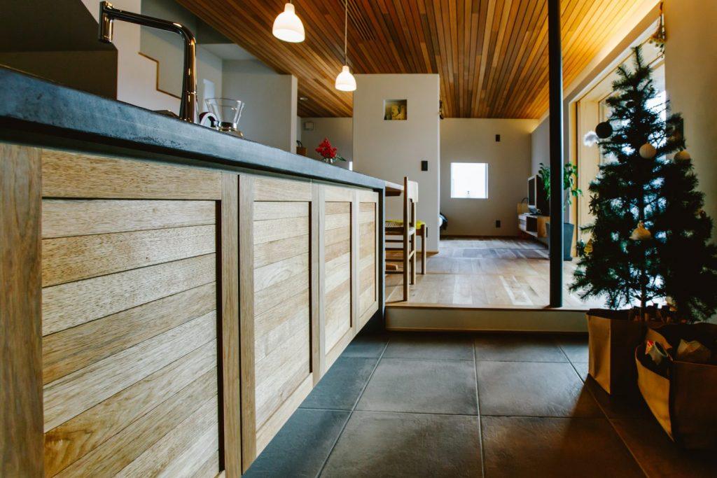 美容室とストーブの家
